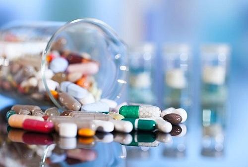 Uống thuốc là cách chữa bệnh đơn giản nhất