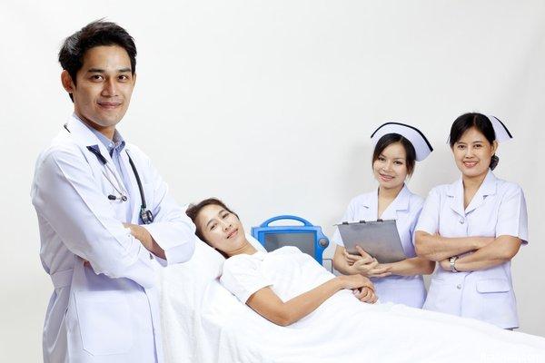 Khám xương khớp ở bệnh viện Bạch Mai