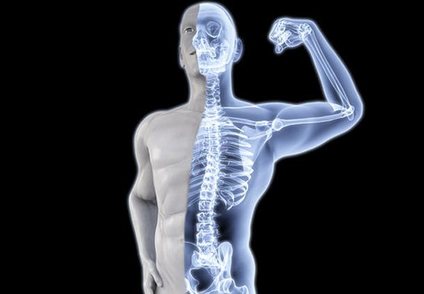 Bị gãy xương có nên quan hệ không?