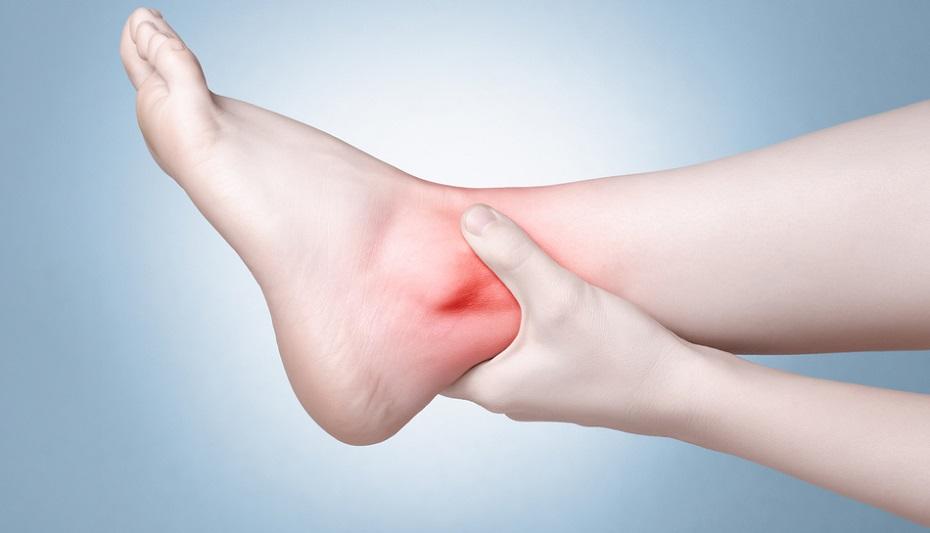 Nguyên nhân khiến cho khớp cổ chân kêu răng rắc mỗi khi cử động