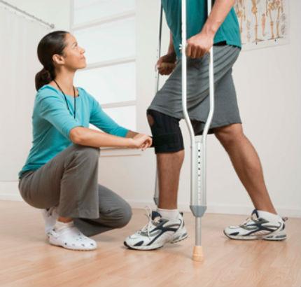 Một số cách phục hồi chức năng sau gãy xương chân cơ bản