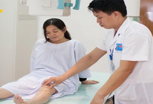 Các phương pháp hỗ trợ quá trình điều trị rạn xương chân