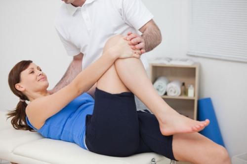 Bệnh nhân thay khớp háng nên làm gì