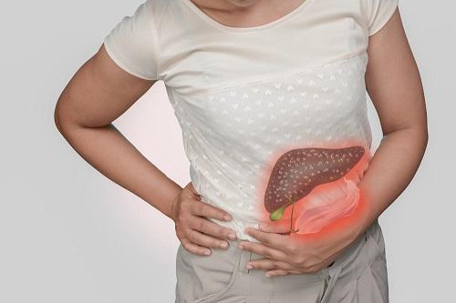 viêm tụy gây đau lưng bên trái phía dưới