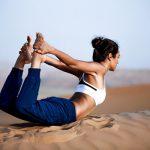 5 bài tập yoga chữa đau thắt lưng mà bạn có thể làm ngay tại văn phòng