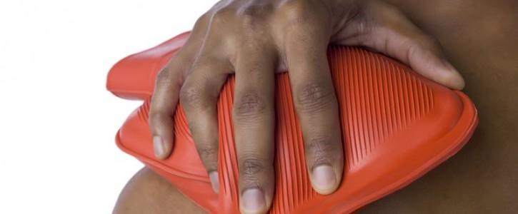 Chườm nóng/lạnh để giảm nhanh triệu chứng đau