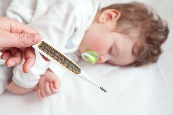 Trẻ em bao nhiêu độ là sốt?