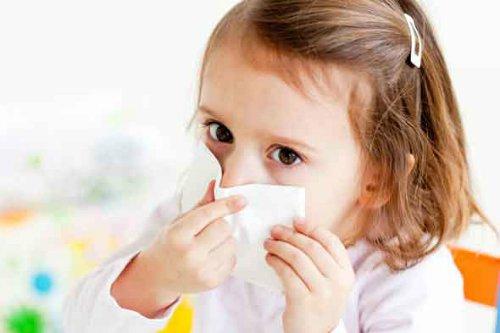 Nguyên nhân bé bị ho sổ mũi thở khò khè