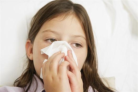 Triệu chứng ho có đờm, sổ mũi ở trẻ nhỏ