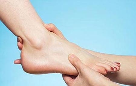 Hướng điều trị đau xương mu bàn chân