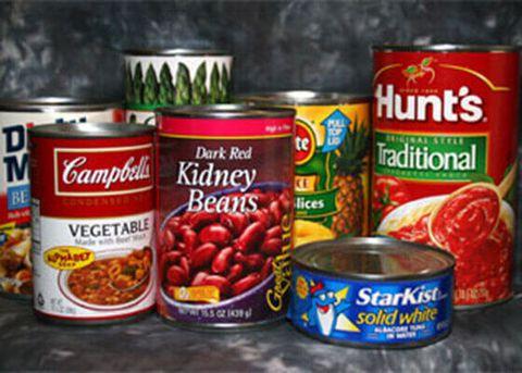 Thực phẩm đóng hộp và thức ăn nhanh không tốt cho bệnh đau thần kinh tọa
