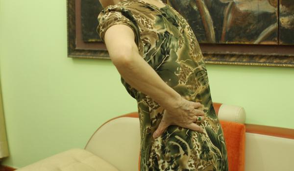 Triệu chứng bệnh thoái hóa cột sống thắt lưng