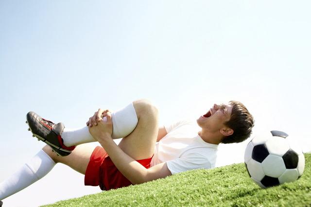 Gãy xương do chơi thể thao