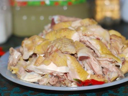 Thịt gà rất ngon nhưng người gãy xương có nên ăn không?