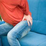 Bị đau ê ẩm vùng mông là biểu hiện của bệnh gì