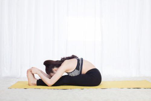 bài tập yoga cho người thoát vị đĩa đệm tư thế cây cầu